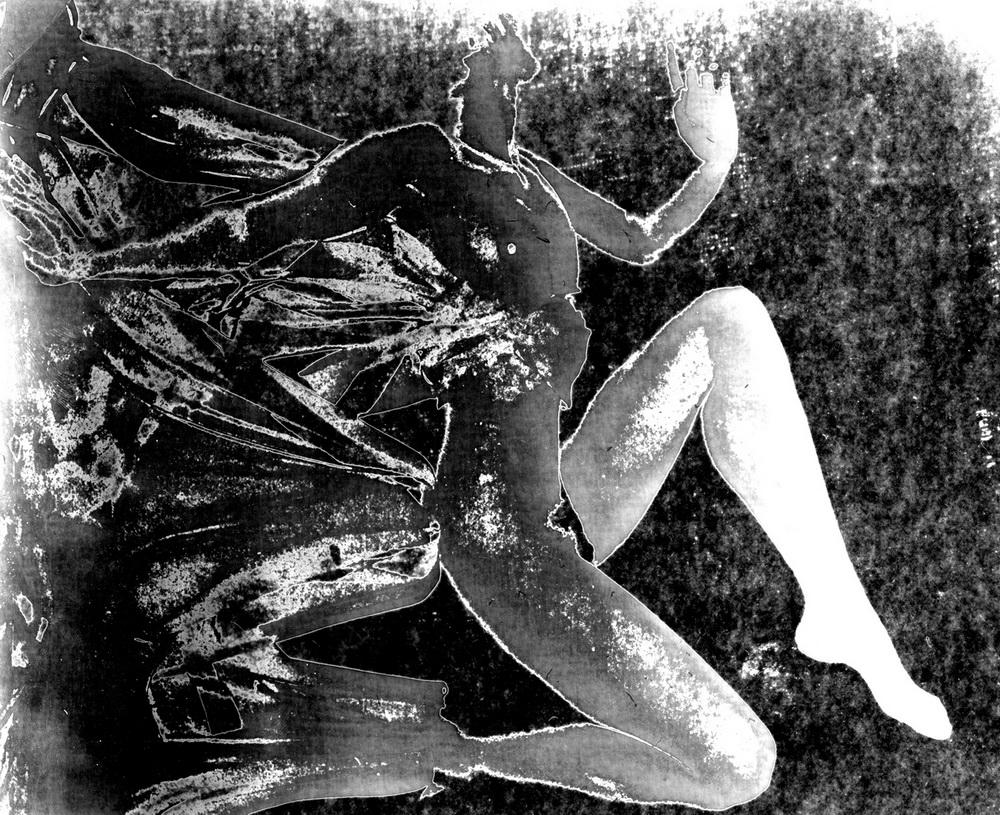 057 (Черно-белый)