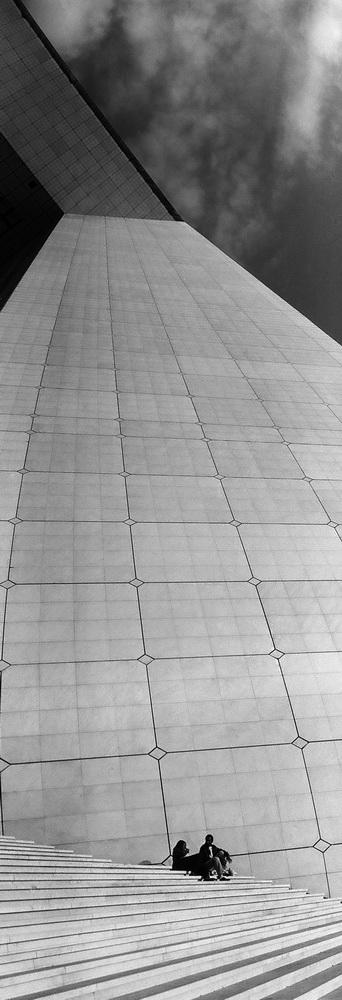 069 (Черно-белый)